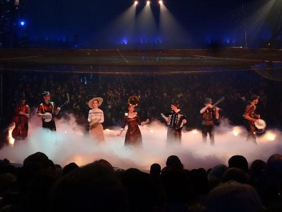 """Grandiose Live-Musik ist eines der Markenzeichen von Shows des Cirque du Soleil: Die Band von """"Kurios"""" macht da keine Ausnahme."""