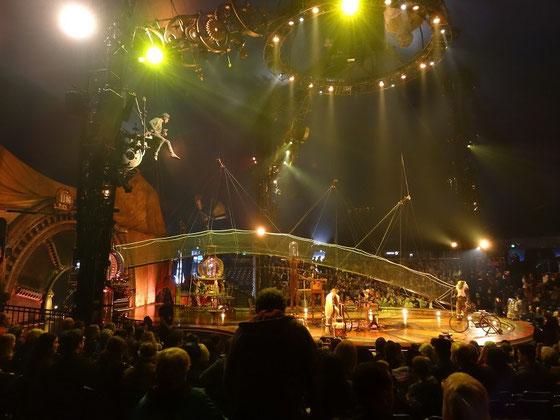 Kurios in Toronto: In der neuen Show des Cirque du Soleil fordert ein Erfinder die Gesetze von Raum und Zeit heraus.
