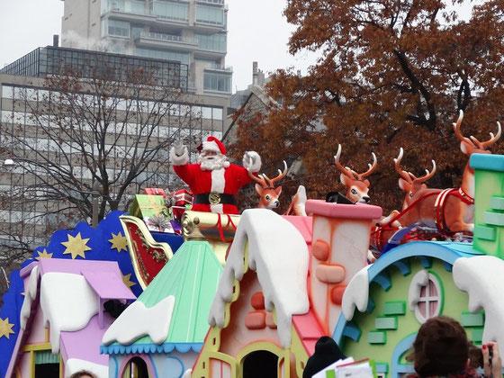 Santa Claus auf seiner jährlichen Parade in Toronto.