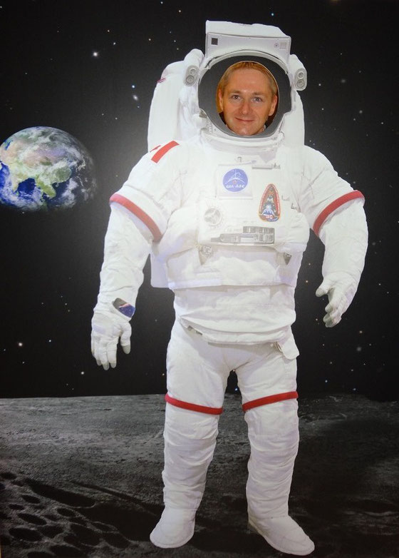 So geht Raumfahrt in Kanada: Mal kurz die Beine vertreten in der Kaffeepause...