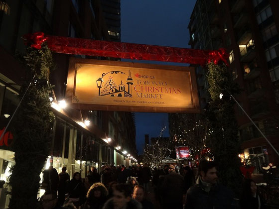 Christmas market in Torontos Distillery District.