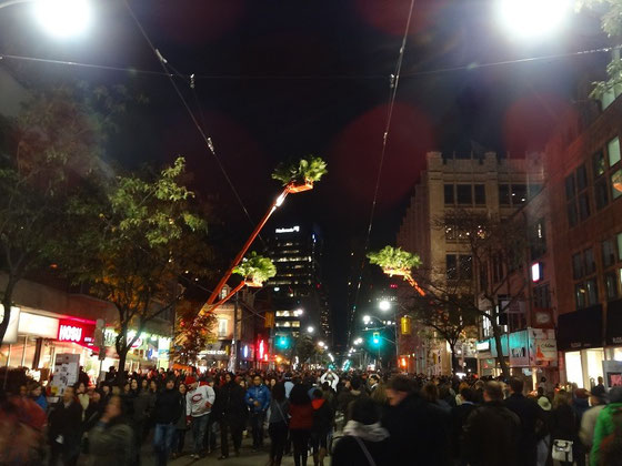 Nuit Blanche 2014: Reger Besuch auf Torontos Queen Street
