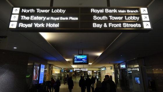PATH-Tunnel-Kreuzung in der Innenstadt von Toronto