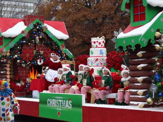 Parade in Toronto: Frau Claus war diesmal auch am Start.