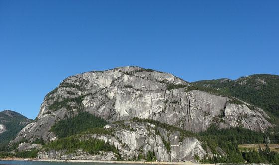 In ganzer Pracht: Der Stawamus Chief in Squamish, British Columbia.