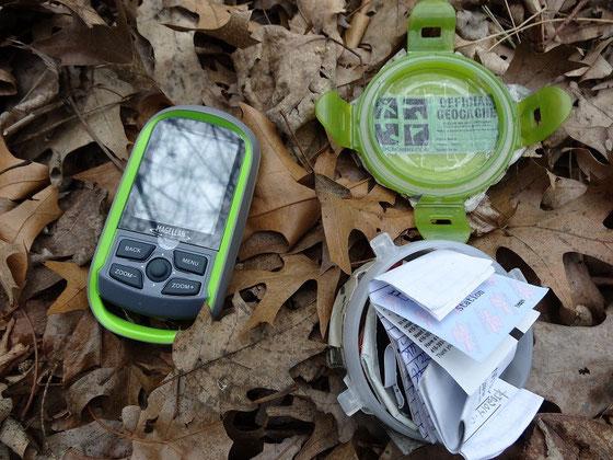 Geocaching in Kanada: Mit dem Magellan eXplorist GC fündig geworden in einem Park von Toronto
