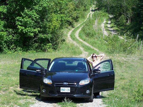 Mit dem Mietwagen unterwegs auf Manitoulin Island in Ontario.