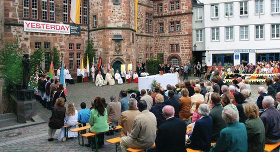 Fronleichnamsgottesdienst auf dem Marburg Marktplatz (Foto: Privat)