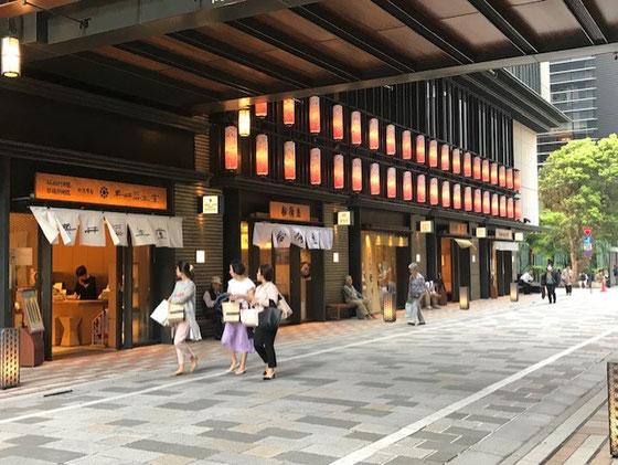☆地下鉄三越前駅前のコレド室町1とコレド室町2の間の通り。なんとなく日本橋の雰囲気を感じます。