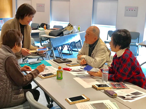 ☆川崎市宮前区のITみやまえからお越しのO会長さん(左の立っている女性)。講師初デビューの割には安心して見ておれました。