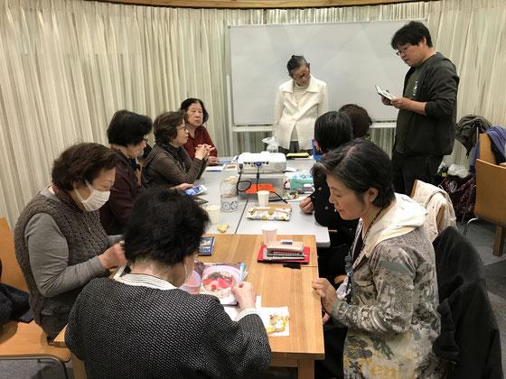 ☆取材者は企画・運営をされているNPO法人 国際ボランティア学生協会の責任者のI様。右側には(写真には見えていませんが)個人対応の二組がいらっしゃいます。