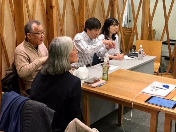 ☆今回は高村ゆみこ会長さんの苦心のiMovie動画に皆さんであれこれ注文を付けました。ペーパークラフトお花づくりの説明動画。
