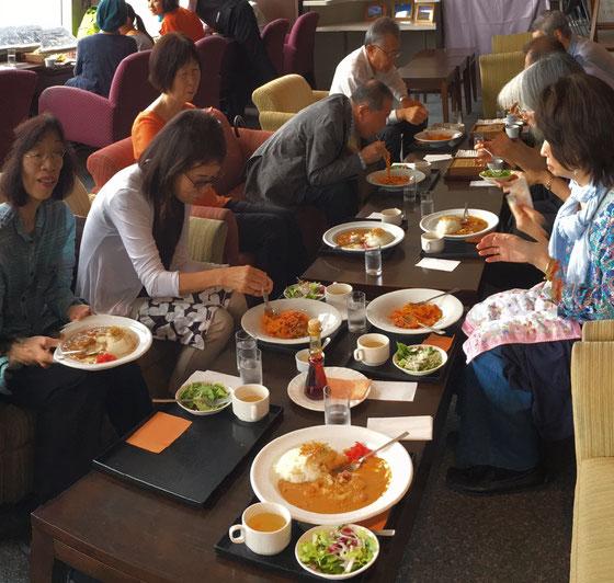 ☆終わって26階のスカイラウンジで10名がアルコール抜きの昼食。