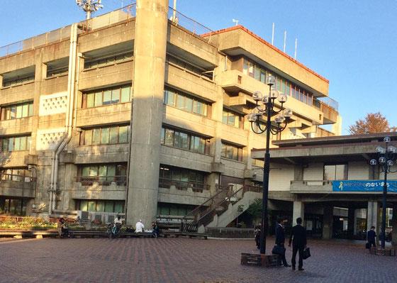 ☆世田谷区役所第一庁舎。この地下食堂わきでプレゼンテーションしました。