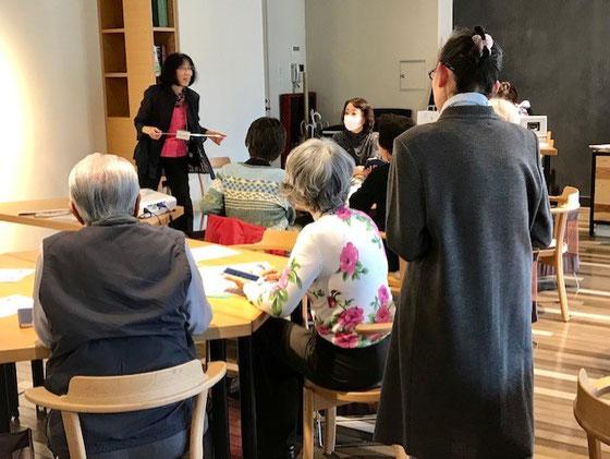 ☆写真手前のお二人の「島」のサポートは生田美子さん。