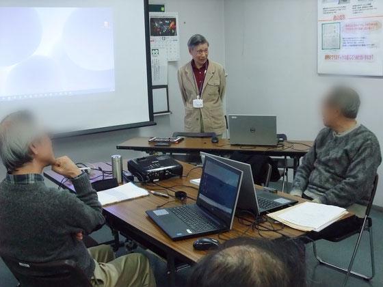 ☆受講者は2名。関係者は山根を入れて4名。試験が終わり山根の講評中。