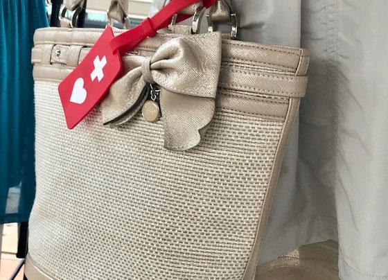 ☆このかばんのマークのタグの名称を調べました。