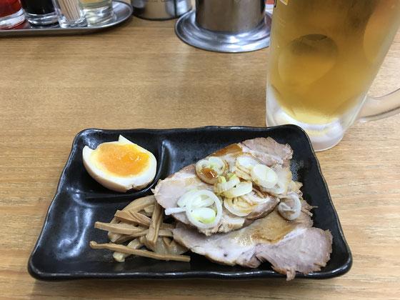 ☆提出が終わって世田谷線下高井戸駅そばのラーメン屋の「せい家」お疲れセットで自分への慰労会。写真の中生とおつまみセットで@400円。もちろんこれだけではありません。