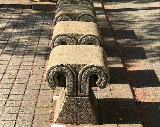 ☆コンクリートのベンチが埴輪を模してています。