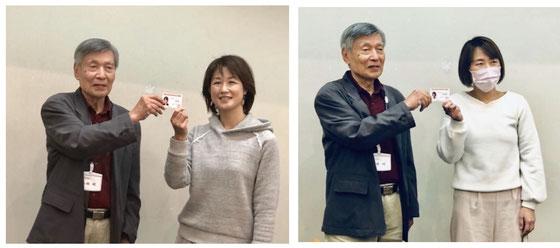 スマホ・タブレットアドバイザー認定証の授与。左側千葉習志野の小嶋典子さん。右側山梨笛吹からの小林美由紀さん。