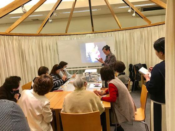☆今日のテーマは「写真」の編集。終わりの10分ほど「キャッシュレス講座‐Suica編」を山根がご紹介。