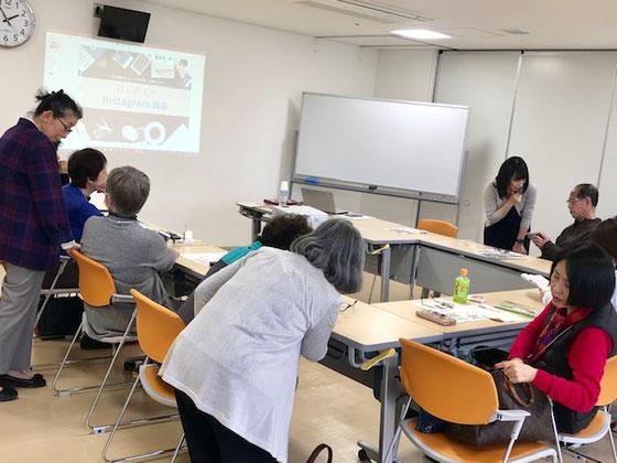 ☆14:00開始前の個別相談。森下絵美さん、生田美子さん、佐藤弥子さん。ご担当の課長さんもお手伝い。
