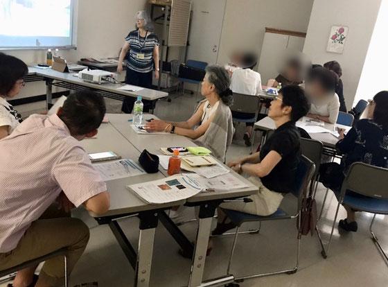 ☆午前の部iPhone初歩講座。12名全員夏期講座に進級してくれるとうれしいのですが・・・。