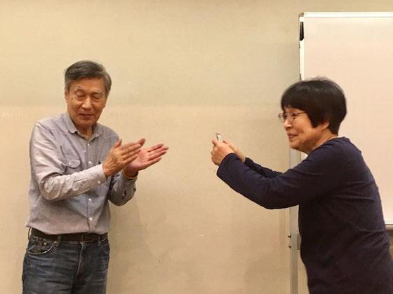 ☆荒木哲子さん。三鷹と世田谷でシニア向けデジカメ初心者講座の講師をお願いしていました。最近では世田谷区社会福祉協議会主催の「スマホによる遺影撮影会」で大変お世話になりました。