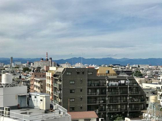 ☆前日の雨風の天気と打って変わって好天気。久しぶりに遠くの山々が見えました。