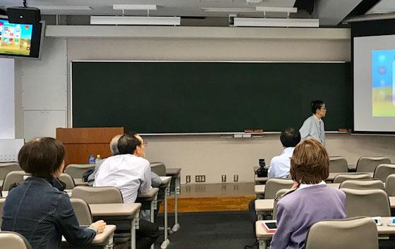 ☆案内役は生田美子さん。サブは後列左側が大橋朋子さん、右側金平紀代子さん。
