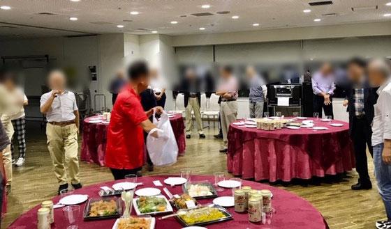 ☆臨時総会の会場北沢タウンホールの(3階)から12階のスカイサロンに移動。ケータリングを利用して会費3,000円の懇親会。