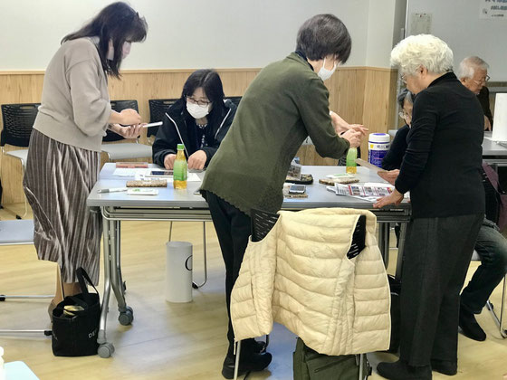 ☆Cグループは4名。左から2番目の女性はご担当のO様。3番目の立っている女性はサブの大橋朋子さん。