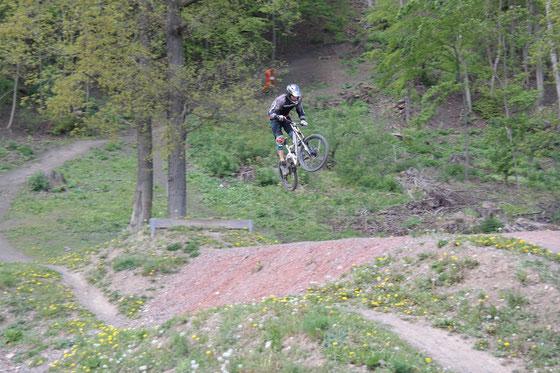 Ostertraining auf 4 Downhill-Strecken (Steinach/Thüringen, Winterberg/NRW, Willingen/Hessen, Thale/Sachsen-Anhalt)