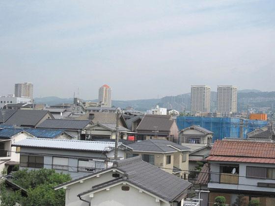 ↑宝塚駅界隈のタワーマンションも見えます