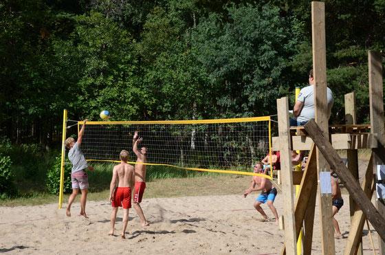 Auch Beachvolleyball Turniere in den Schären werden veranstaltet.