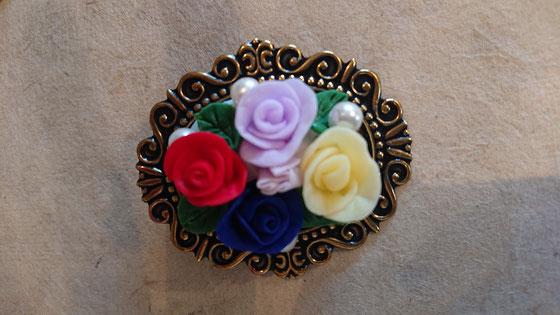 手作りブローチ バラも全て作られました♡ 本当に可愛い!!