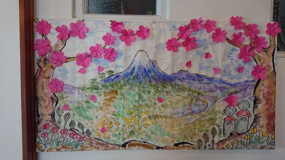 「桜のある風景」 桜の折り紙🌸 立体的に折ることが結構難しかったな💦