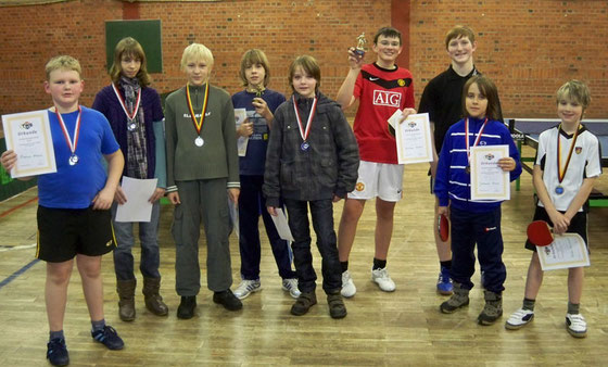 Schüler-Vereinsmeisterschaft 2010 v.l.n.r. Fabian, Isabel, Marcel, Philipp, Steven, Christoph, Max, Johannes, Robin