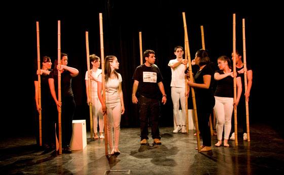 Cualquier lugar, cualquier día, protagonizada por el grupo Aldesnudo, escrita por Ignacio Pajón Leyra y dirigida por Jose Aurelio Martín