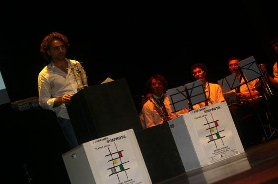 Antonio López Piña presenta las esculturas EN OBRA en la gala final del I Certamen Simprota de Teatro Joven