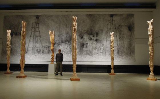 丸木美術館個展「光のさなぎたち」の中で