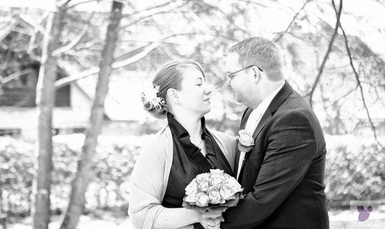 Hochzeit,Fotograf, Hochzeitsfotografie, Osterholz-Scharmbeck,Gut Sandbeck,Braut,Bräutigam,Strauß,Brautstrauß,Biene-Photoart