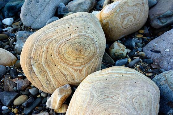 木目模様が美しい天草と石写真