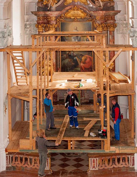 """Beispiel eines Holzgerüstes eines """"Heiligen Grabes"""" in  Höglwörth (Berchtesgaden)"""