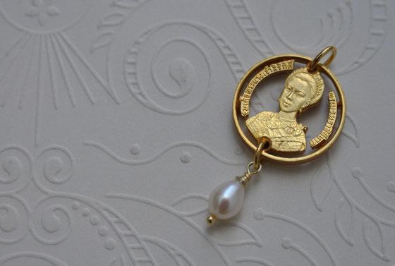 Münzsägewerk Katrin Thull | Thailand - Königin Sirikit mit Perle