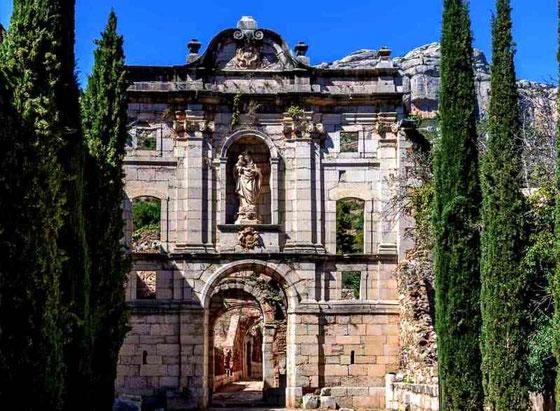 Скала Дей - самые известные монастыри Каталонии