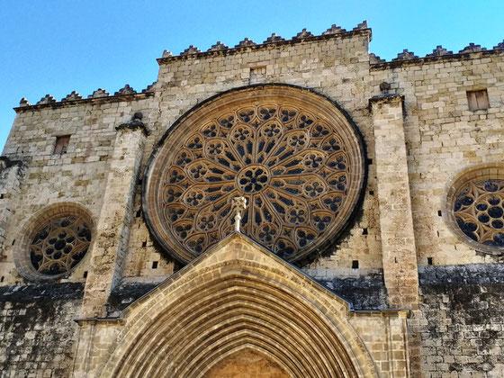 Монастыри Каталонии
