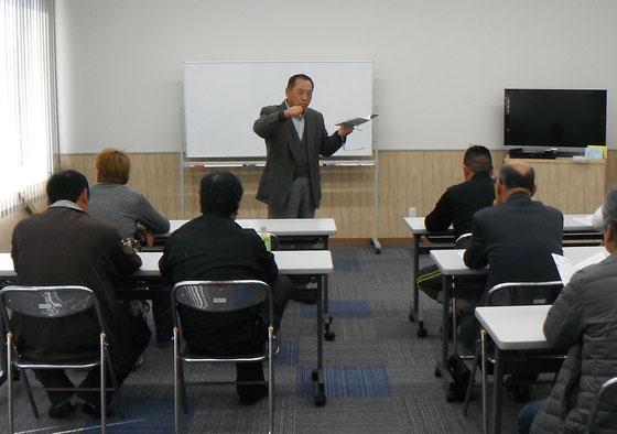 細島港湾福祉センター会場での講習風景