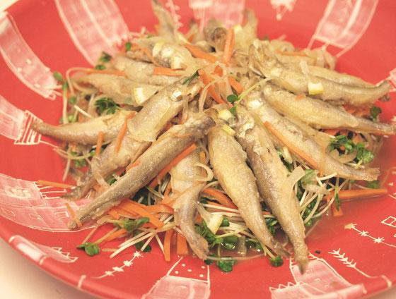 柳葉魚の甘酢和え