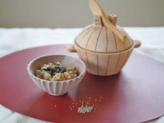 えごま塩のふりかけと玄米ごはん/ミニ土鍋・しのぎごはん茶碗